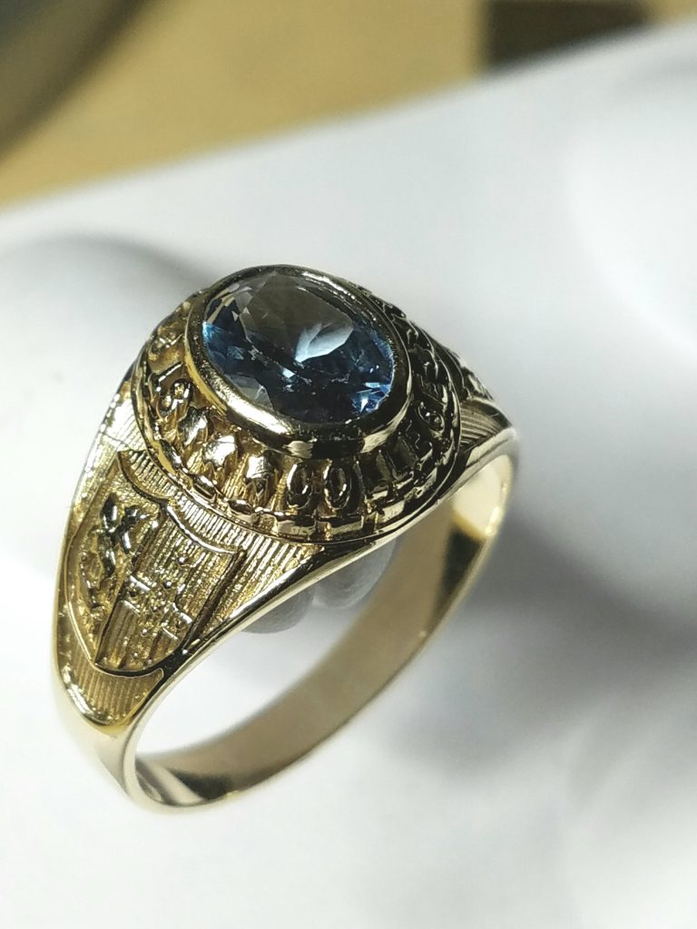 ST Georges College Class Graduation Ring Jamaica • The
